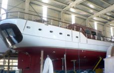 Luxury Yacht Building