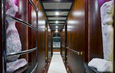 Luxury Yachts Charter (1)
